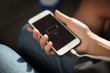 come caricare batteria smartphone